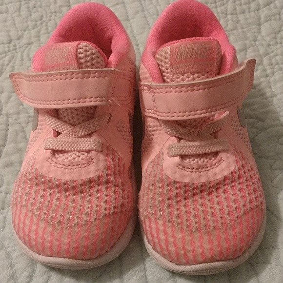 Nike Revolution 4 toddler girls sneakers. M 5b9717eda31c331ed7f10064 ed3e09fe7